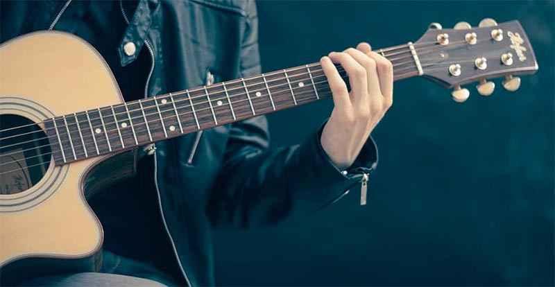 Best Singer Songwriter Guitars